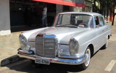 Reliquias Automotivas | Mercedes-Benz 230S 66 de Fabiano Estevam